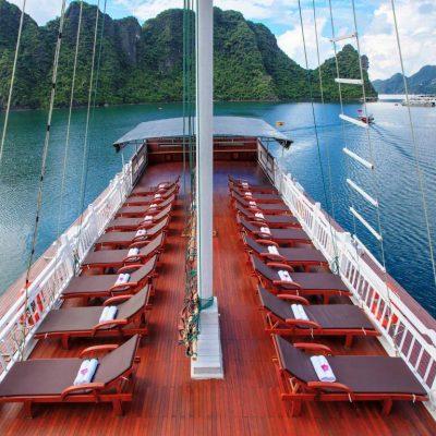 tàu thăm quan vịnh hạ long
